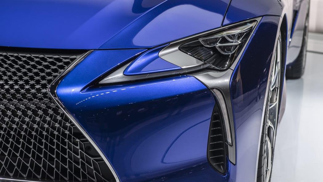 2021-lexus-lc-500-convertible-la-10