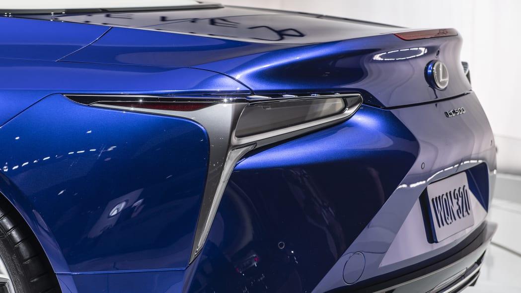 2021-lexus-lc-500-convertible-la-12