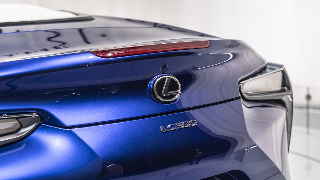 2021-lexus-lc-500-convertible-la-13