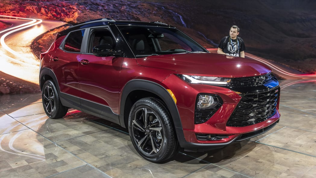 2021-chevrolet-trailblazer-la-03
