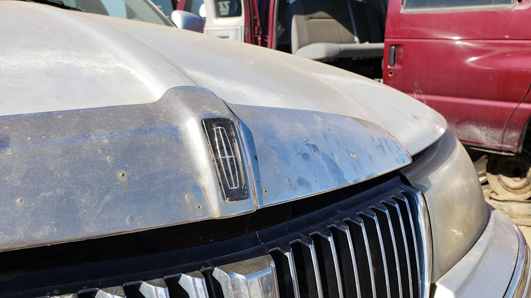 38 - 2000 Lincoln Town Car Cartier Edition in Colorado junkyard - photo by Murilee Martin
