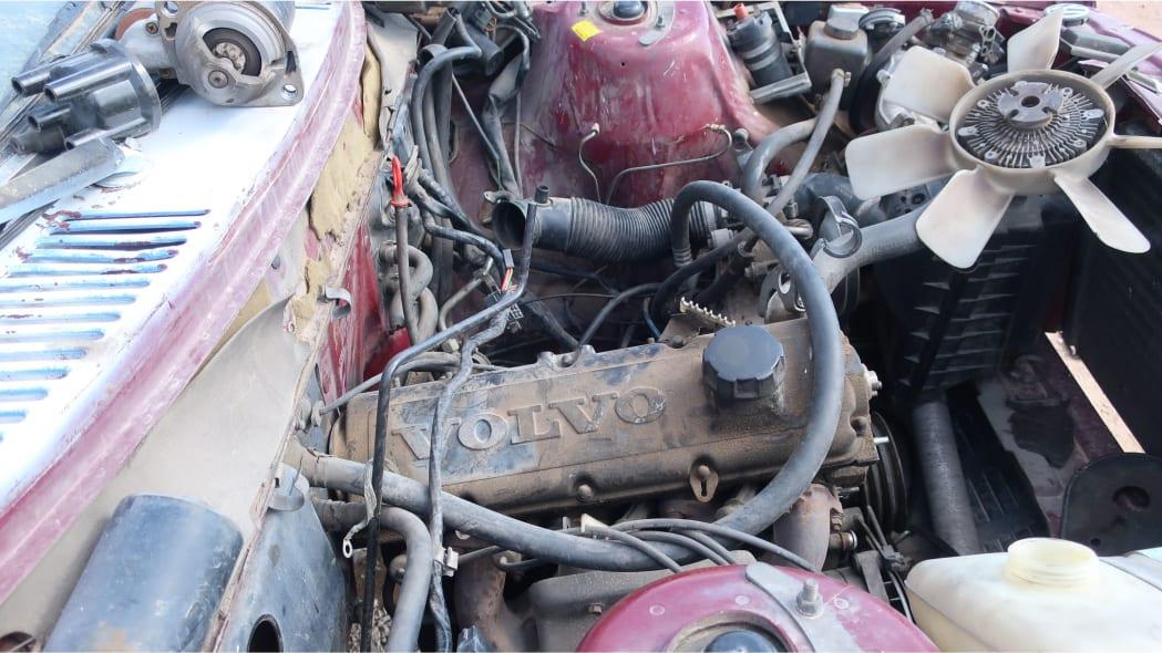 102 - 1990 Volvo 240 DL sedan in Colorado junkyard - photo by Murilee Martin