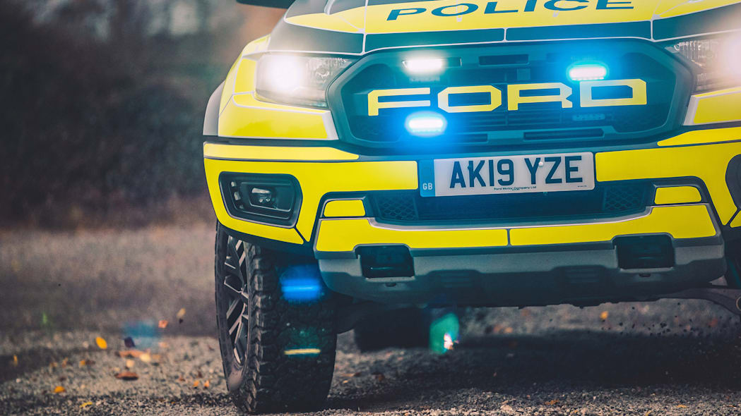 FAST AND FURIOUS FORD COP CARS BREAK COVER (Raptor)