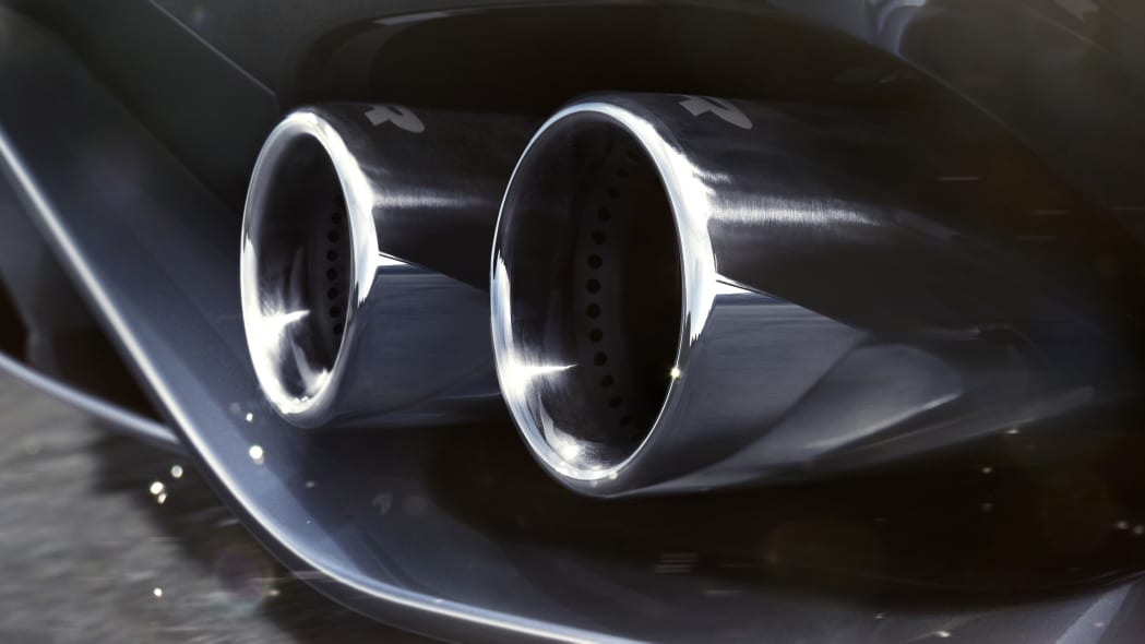 Jag_F-TYPE_21MY_Reveal_Image_Detail_ExhaustDetailing_02.12.19_04