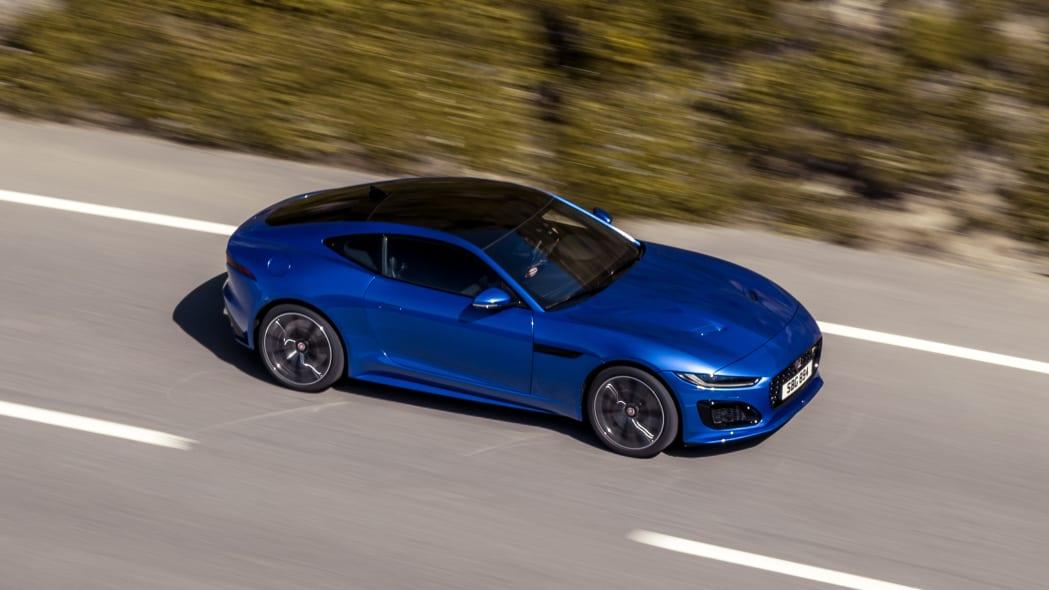 Jag_F-TYPE_R_21MY_Velocity_Blue_Reveal_Switzerland_02.12.19_10