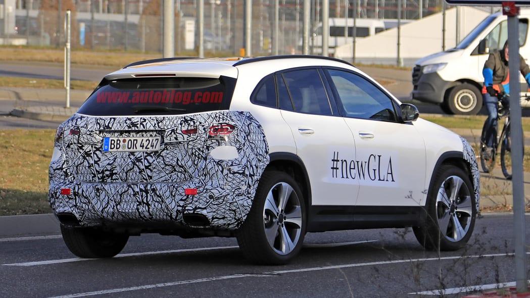 2021 Mercedes-Benz GLA-Class spy photo