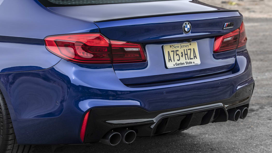 2019-bmw-m5-competition-review-17