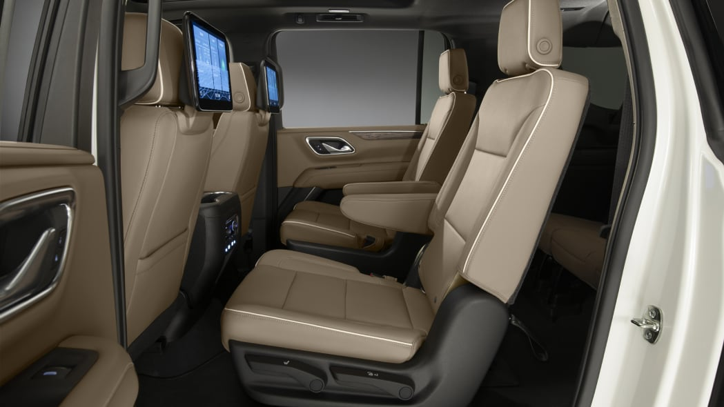 2021 Chevrolet Suburban-021