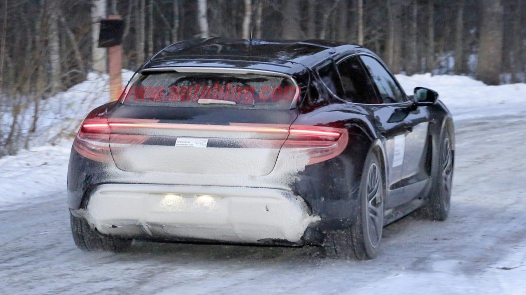 Porsche Taycan Cross Turismo spied