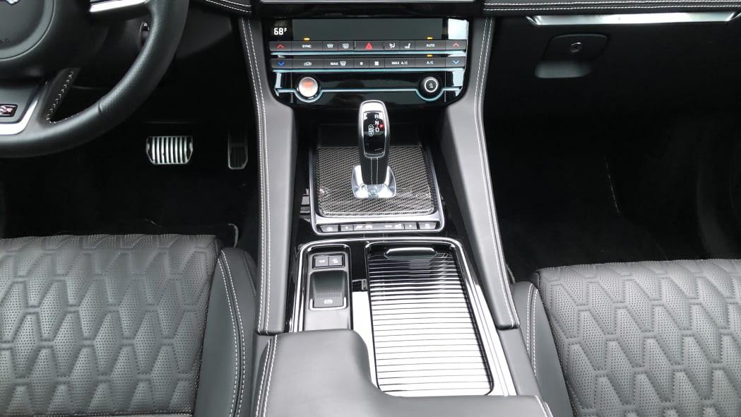 2019 Jaguar F-Pace SVR