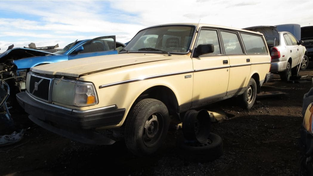 1987 Volvo 240 DL Station Wagon
