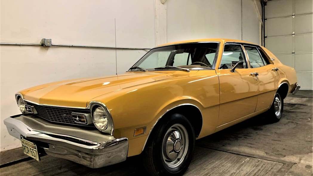 1974-ford-maverick-bat18