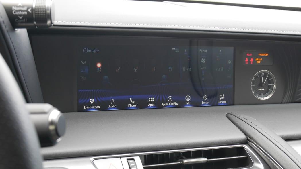 2020-lexus-lc500-screen-1