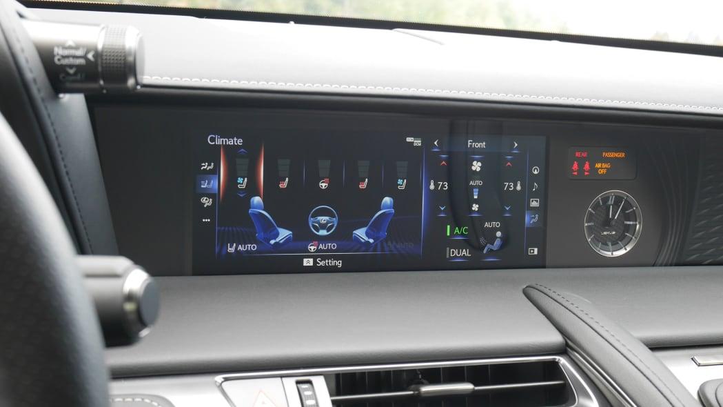 2020-lexus-lc500-screen-2