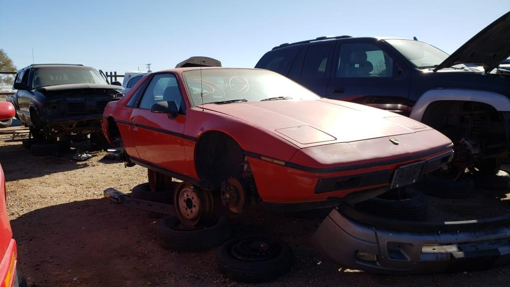00 - 1984 Pontiac Fiero in Colorado junkyard - photo by Murilee Martin