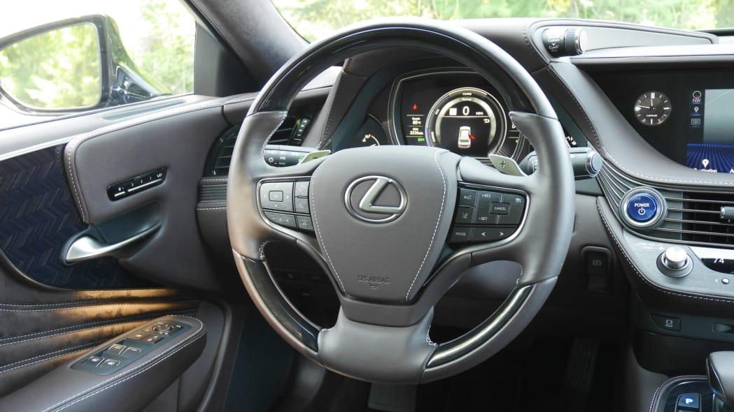 lexus-ls500h-wheel