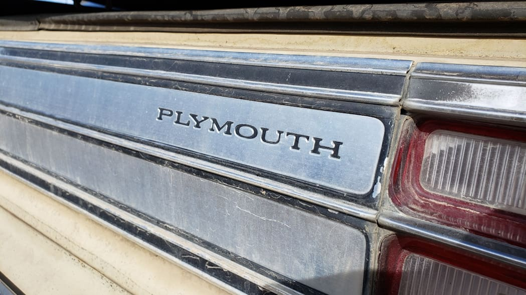 03 - 1977 Plymouth Volare in Colorado junkyard - photo by Murilee Martin