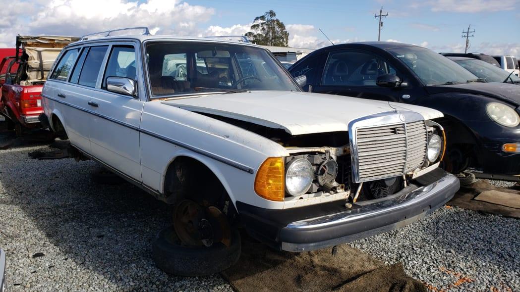 36 - 1979 Mercedes-Benz 300TD in California junkyard - photo by Murilee Martin