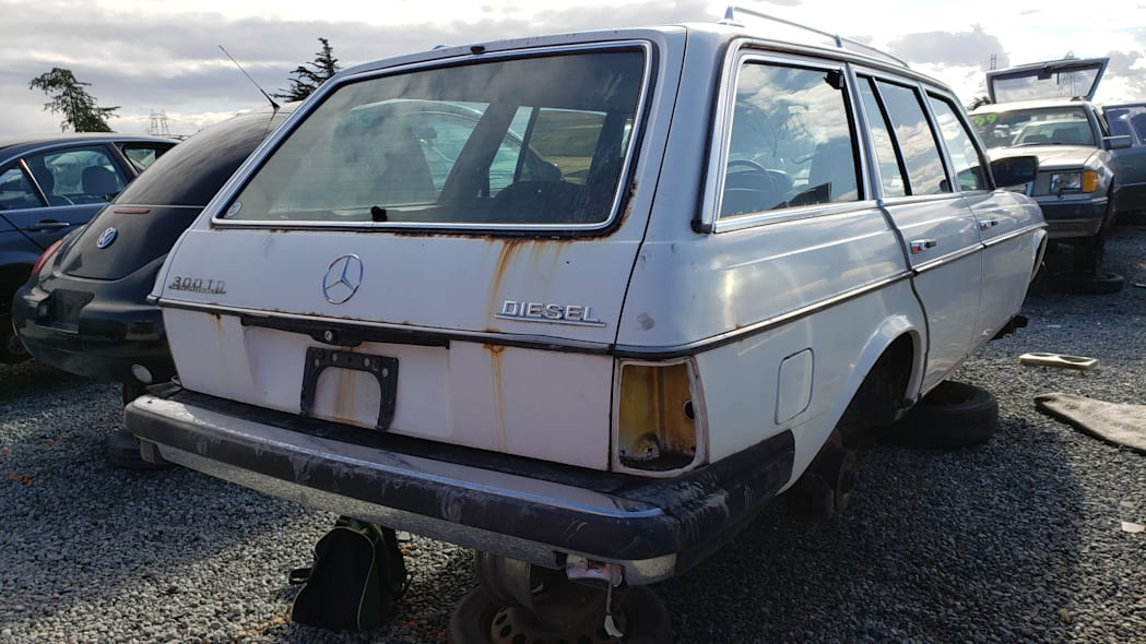 39 - 1979 Mercedes-Benz 300TD in California junkyard - photo by Murilee Martin