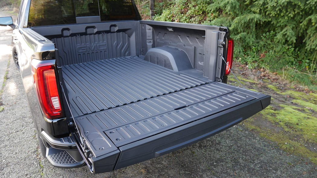 gmc-sierra-denali-bed-1