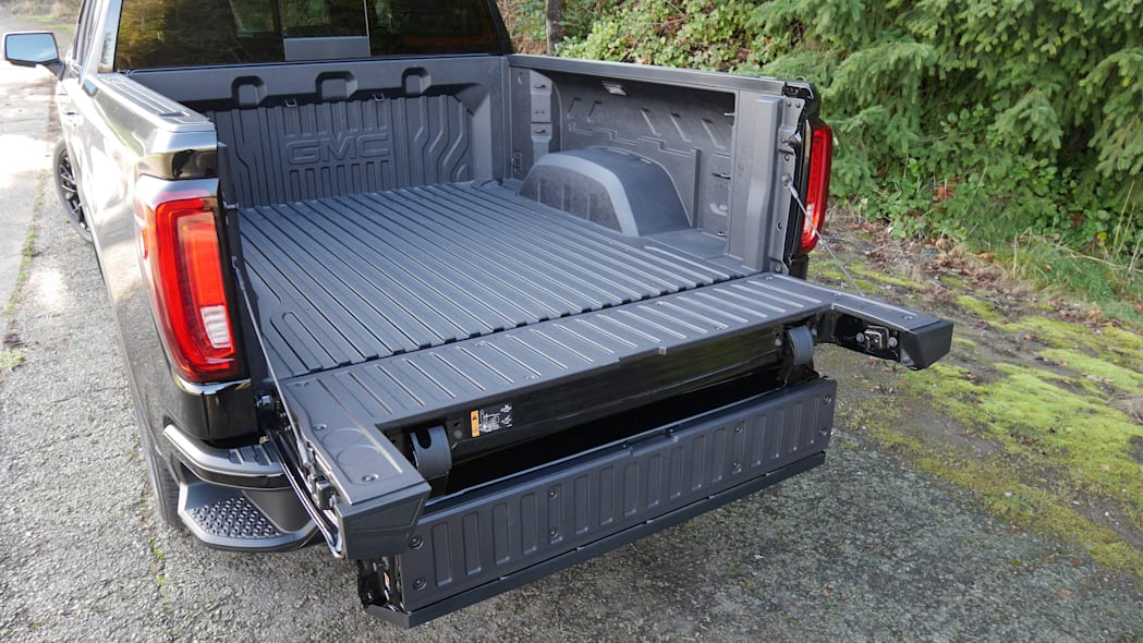 gmc-sierra-denali-bed-2