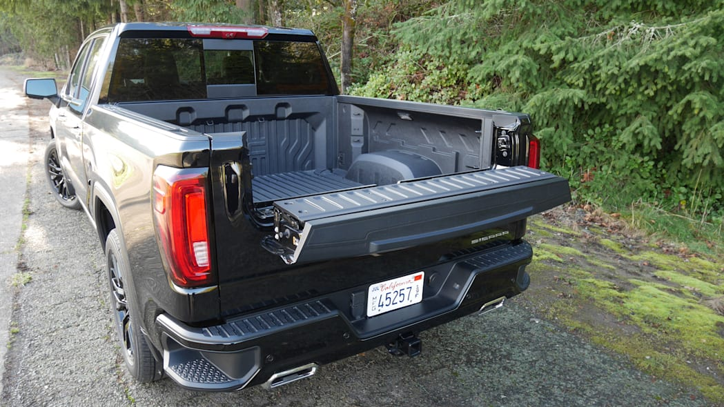 gmc-sierra-denali-bed-4