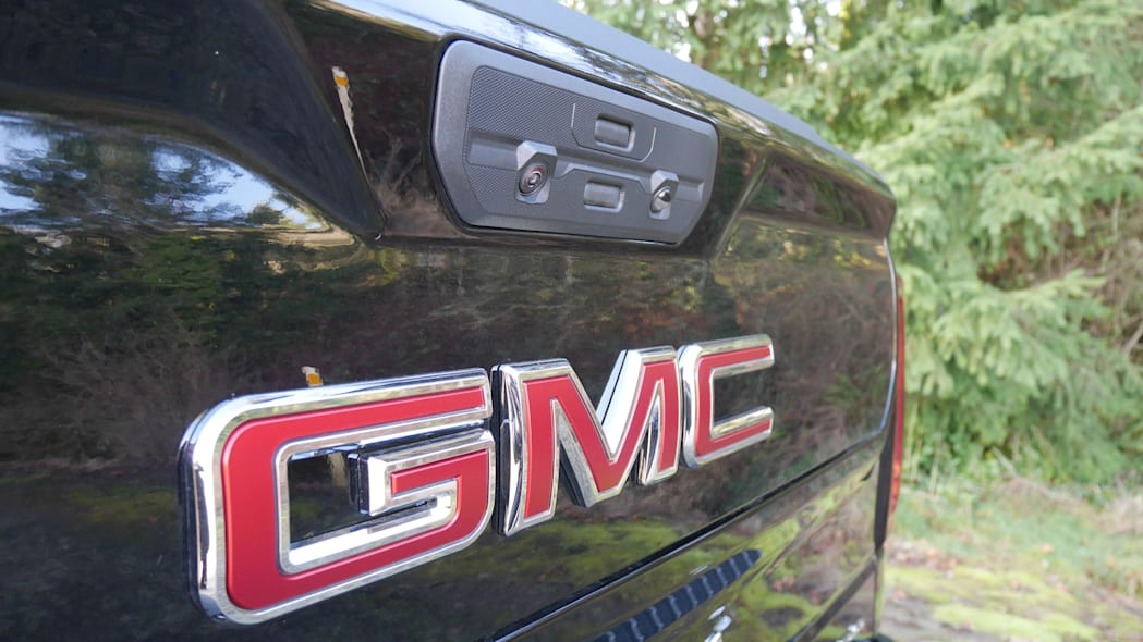 gmc-sierra-denali-bed-8