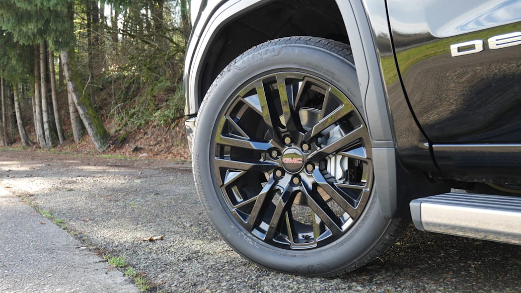 gmc-sierra-denali-wheel