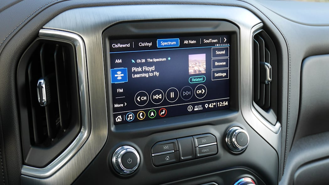 gmc-sierra-denali-screen