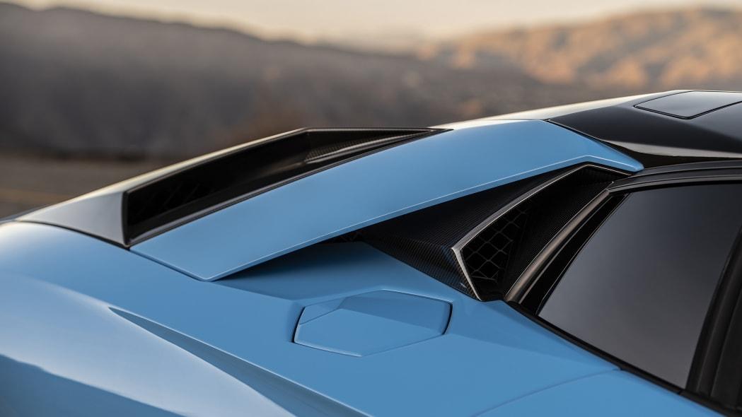 31-lamborghini-aventador-s-roadster-review