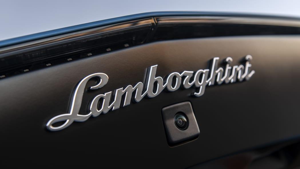 40-lamborghini-aventador-s-roadster-review