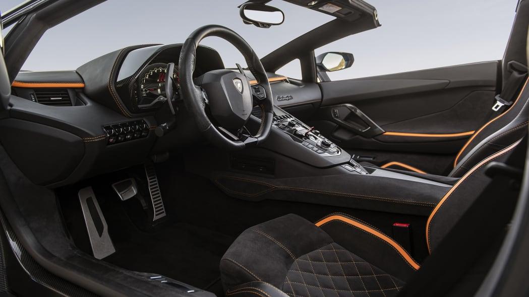 48-lamborghini-aventador-s-roadster-review