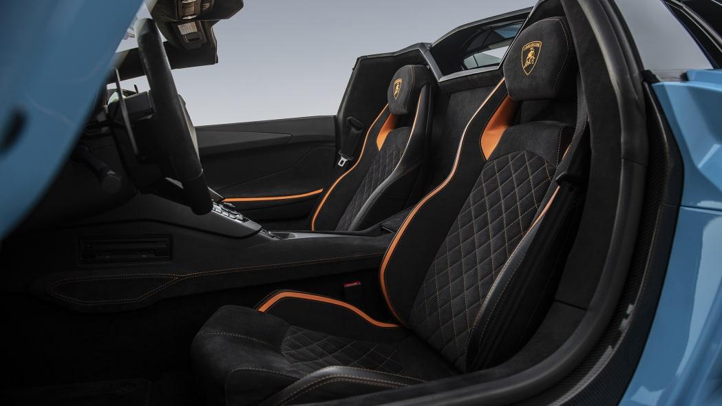 49-lamborghini-aventador-s-roadster-review