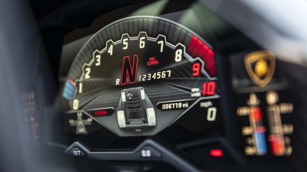 55-lamborghini-aventador-s-roadster-review