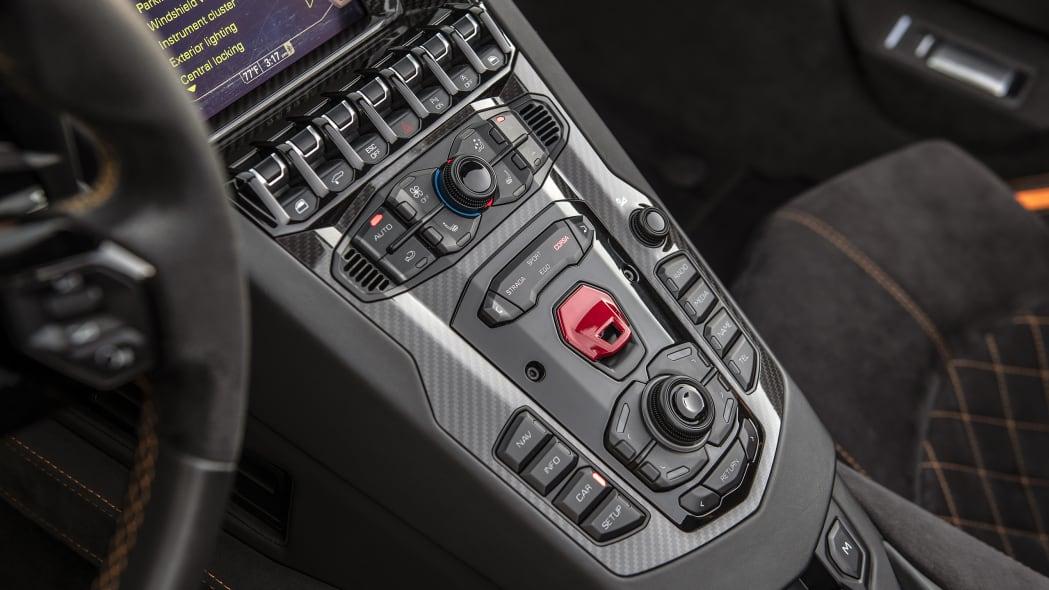59-lamborghini-aventador-s-roadster-review