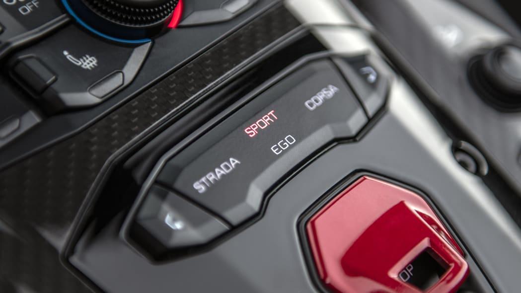 60-lamborghini-aventador-s-roadster-review
