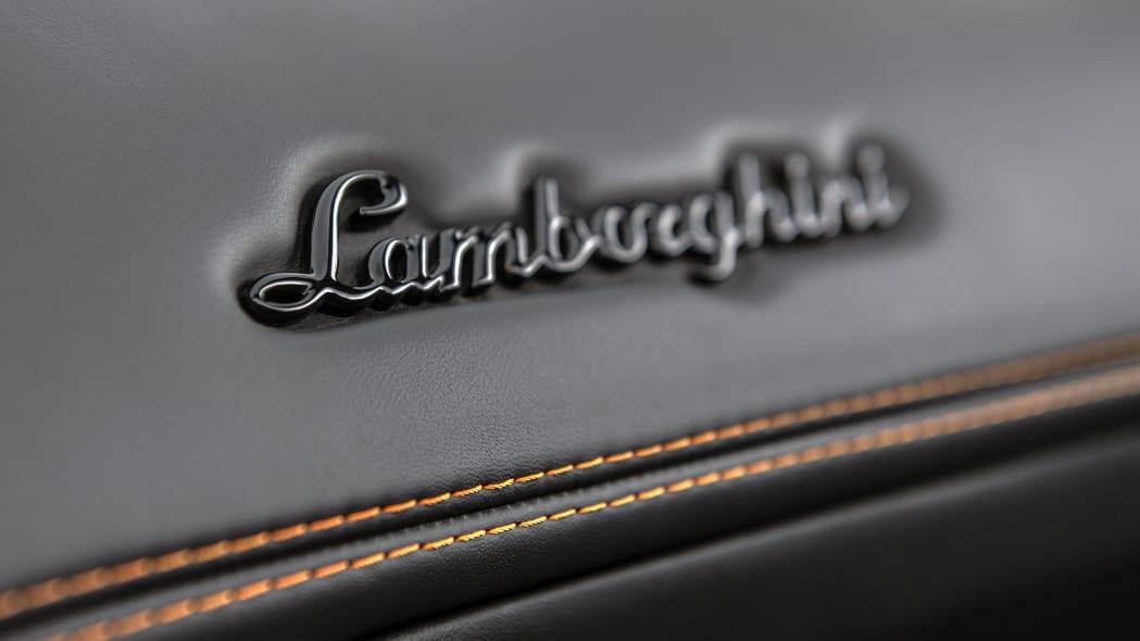 63-lamborghini-aventador-s-roadster-review