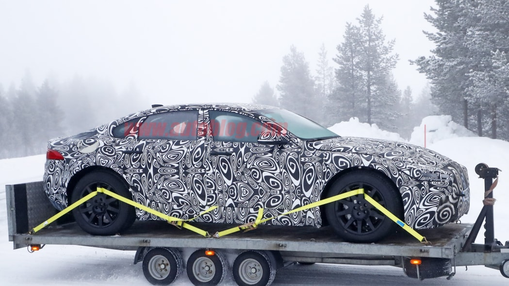 Jaguar XJ Mule 8