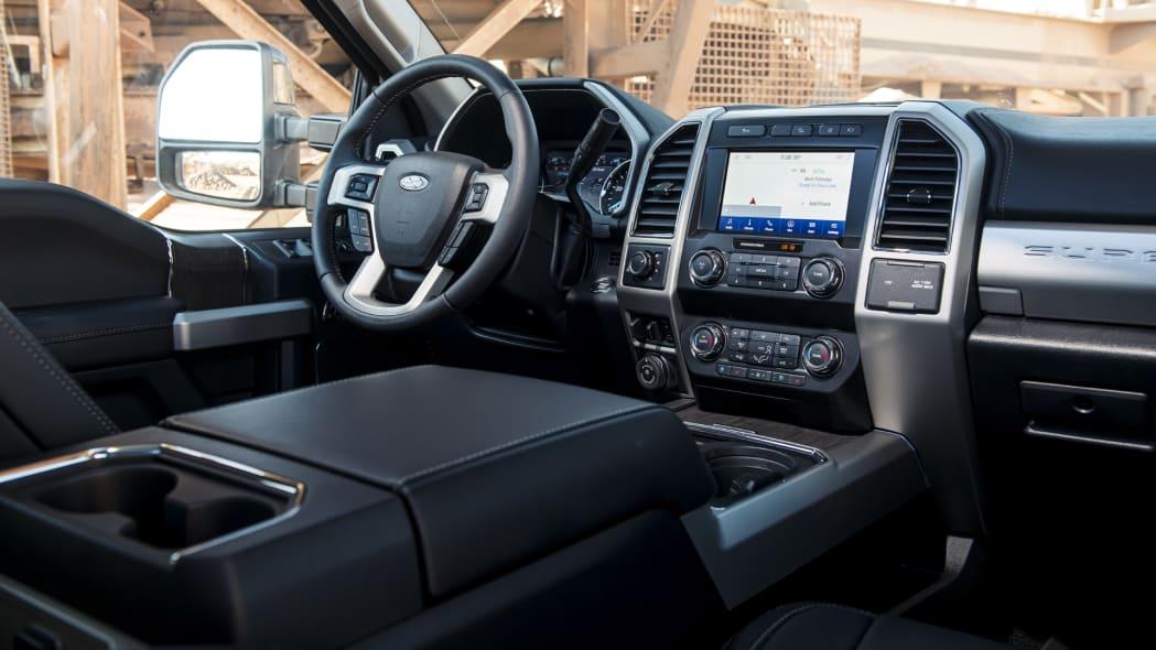 2020-ford-f-superduty-dash