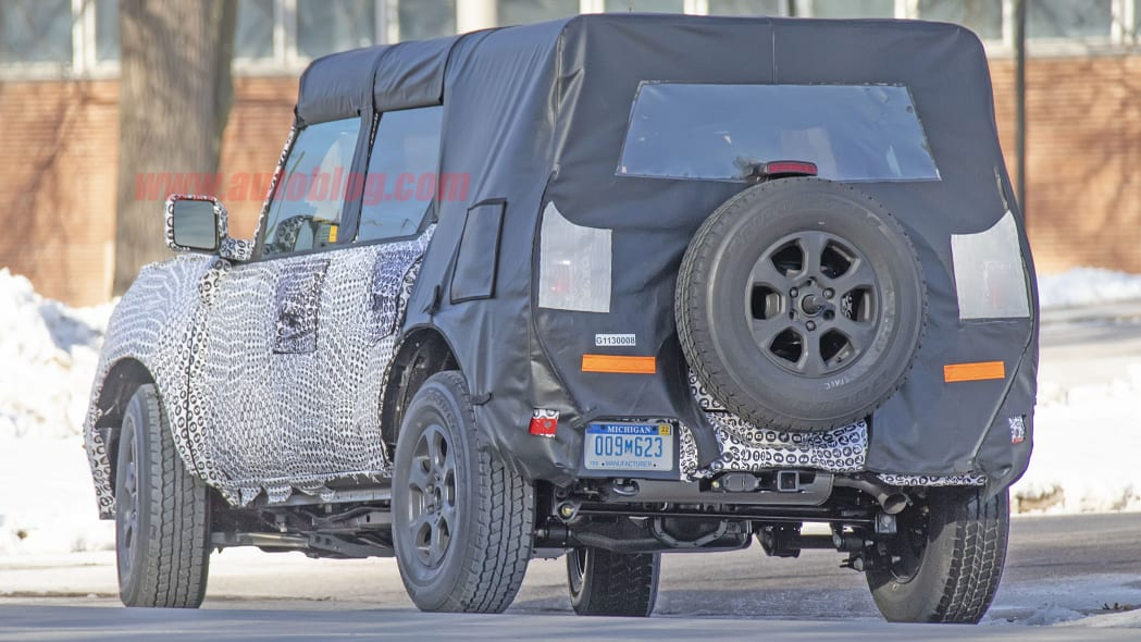 2020 - [Ford] Bronco VI - Page 2 2021-ford-bronco-spy-shots-10