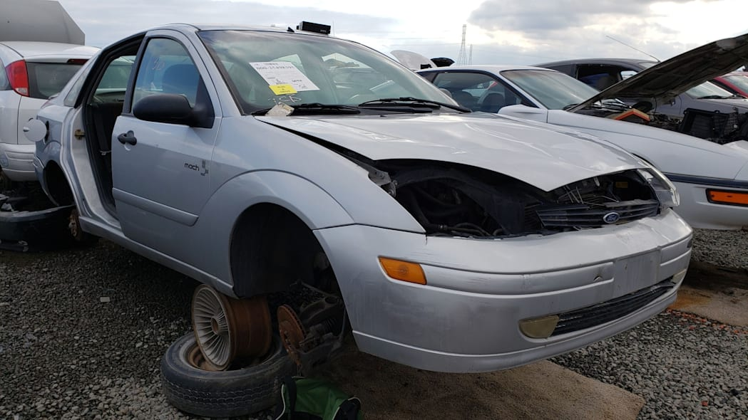 00 - 2002 Ford Focus Mach Edition in California junkyard - photo by Murilee Martin