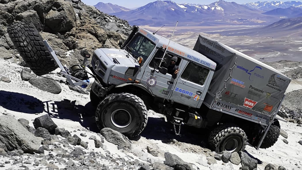 Mercedes-Benz Unimogs reach the highest altitude of any wheeled vehicle