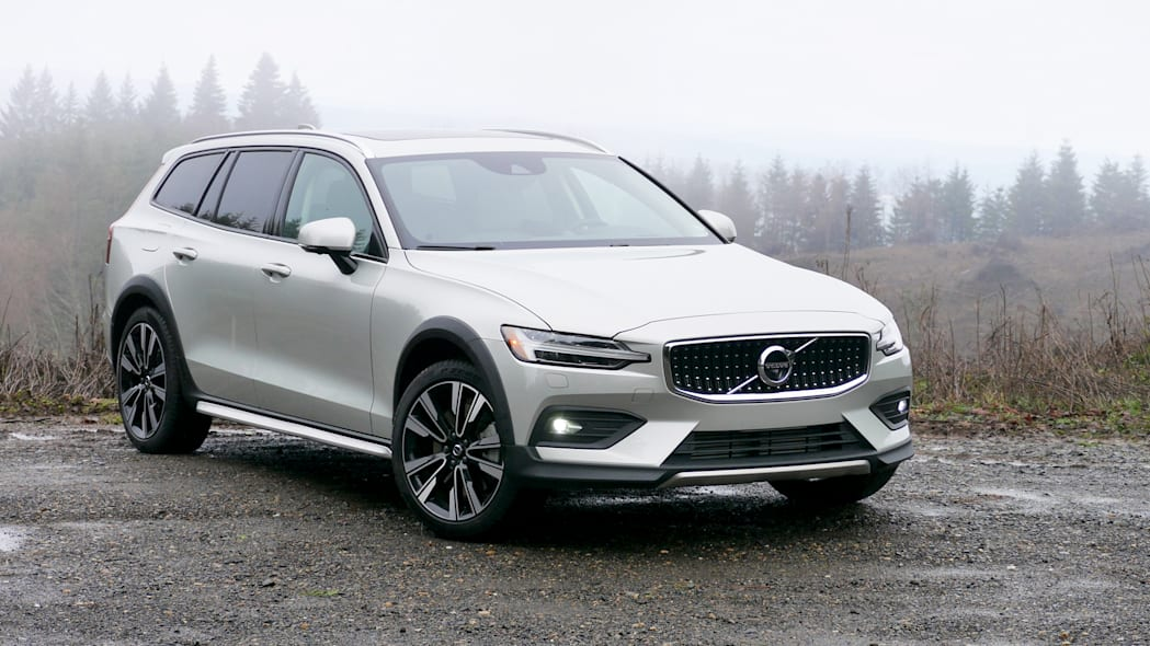 2020 Volvo V60 Cross Country Drivers' Notes | A slightly taller Swedish masterpiece