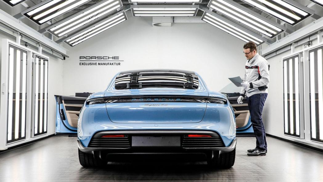 Porsche Exclusive Manufaktur Taycan 10