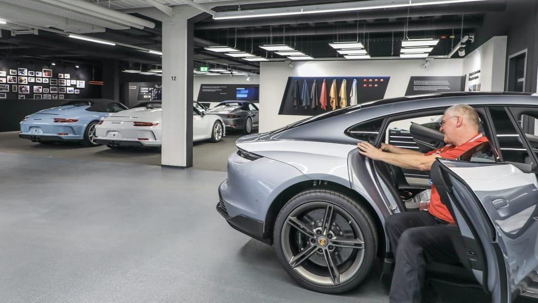 Porsche Exclusive Manufaktur Taycan 12
