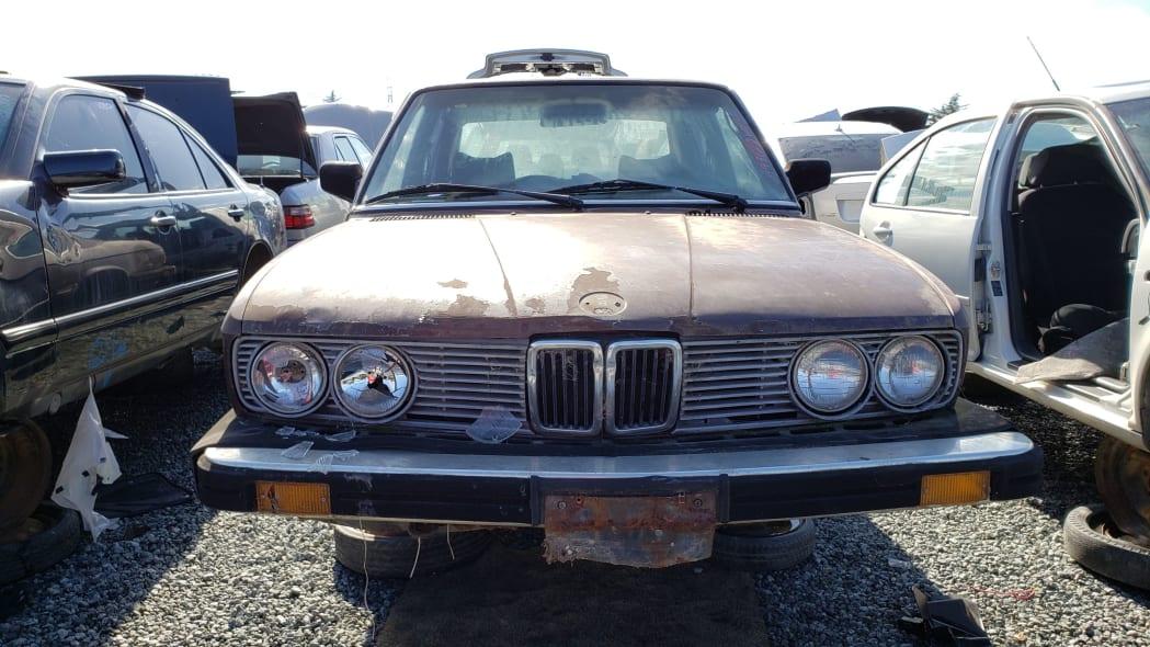 19 - 1984 BMW 528e in California junkyard - Photo by Murilee Martin