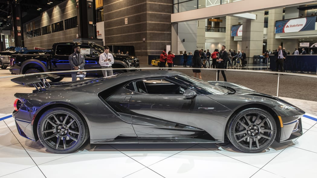 2020-ford-gt-liquid-carbon-05