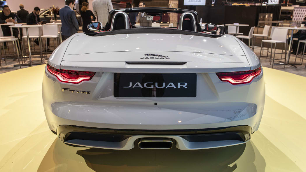 2021-jaguar-f-type-chicago-07