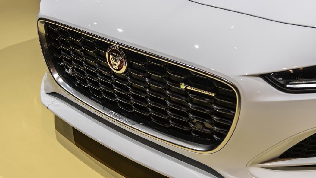 2021-jaguar-f-type-chicago-08