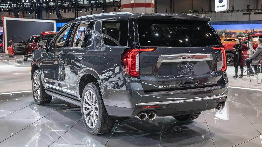2021-gmc-yukon-chicago-02